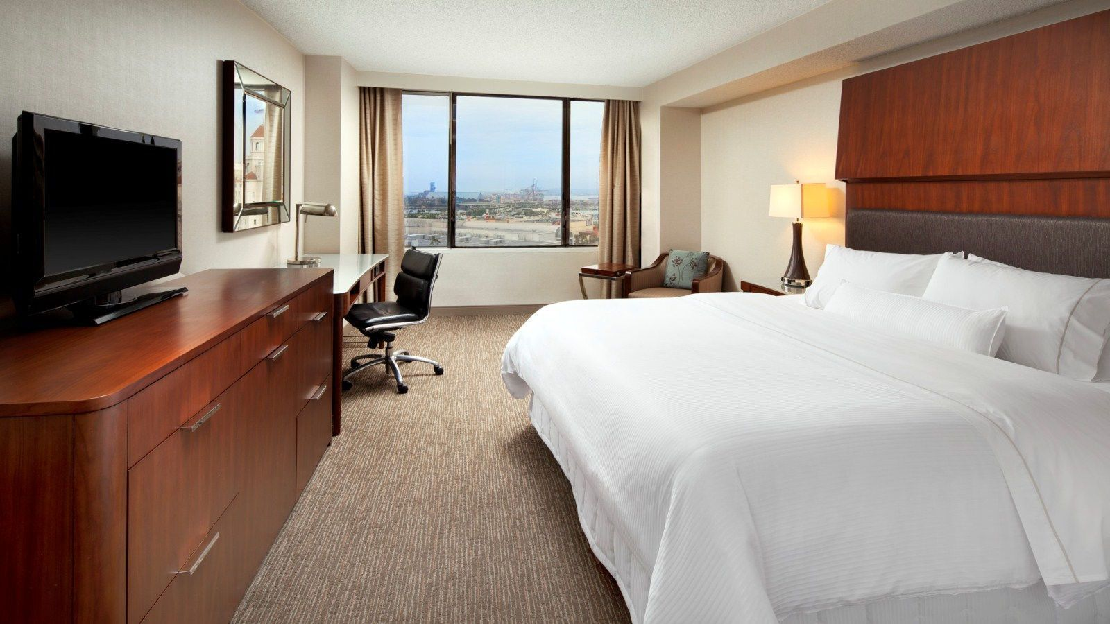 The Westin Long Beach Hotel Guestroom