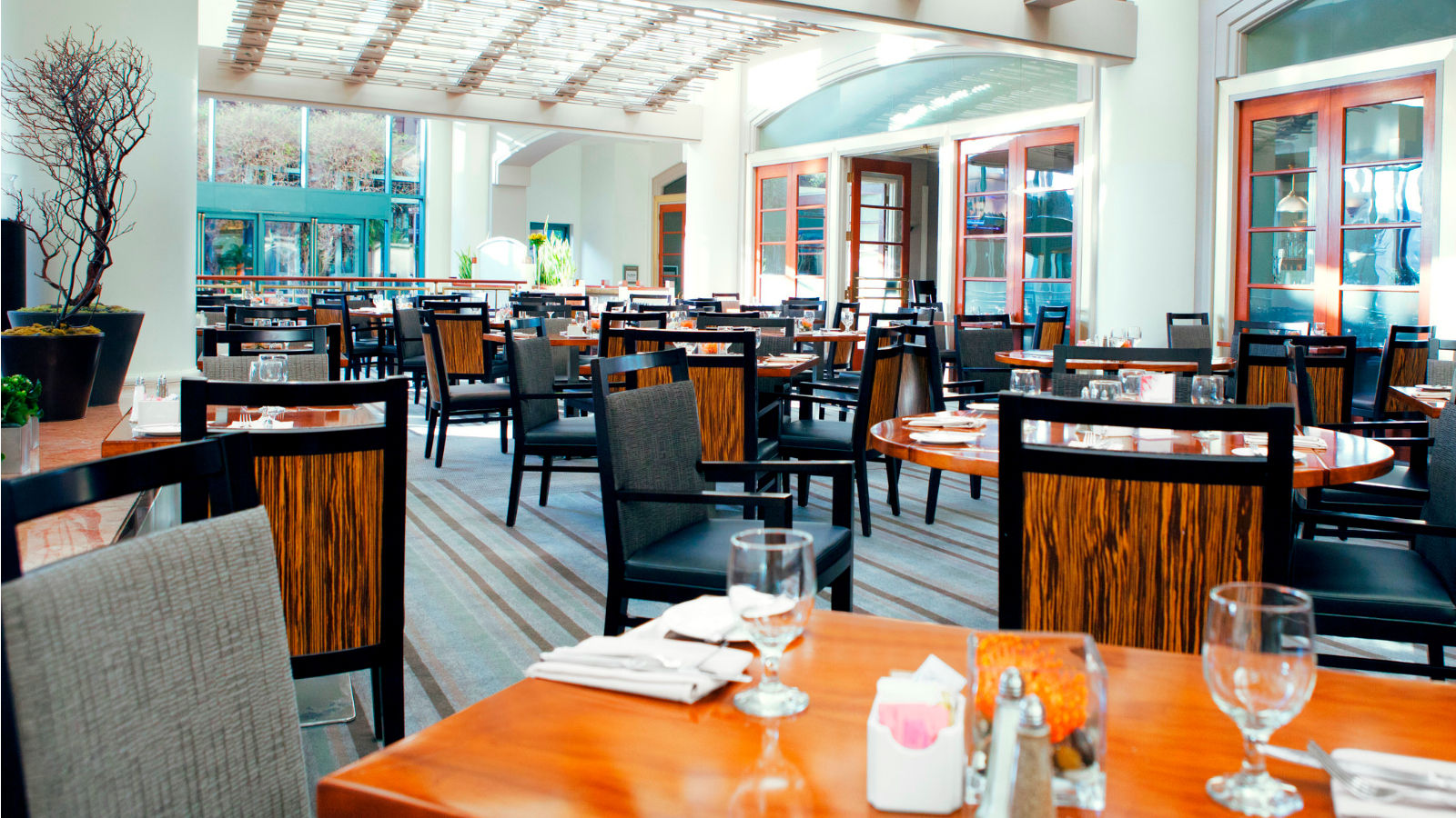 Long Beach Meeting Space - The Grill Restaurant