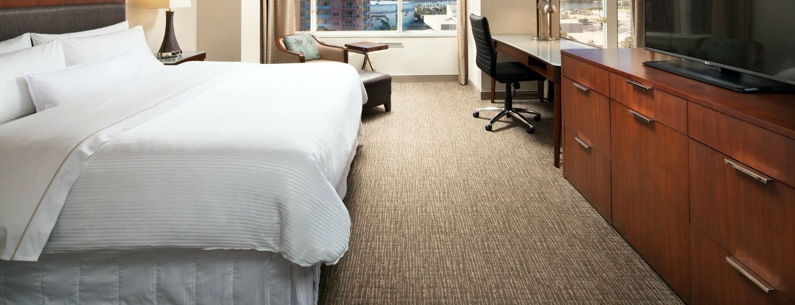 The Westin Long Beach Hotel - Deluxe and Executive Suites